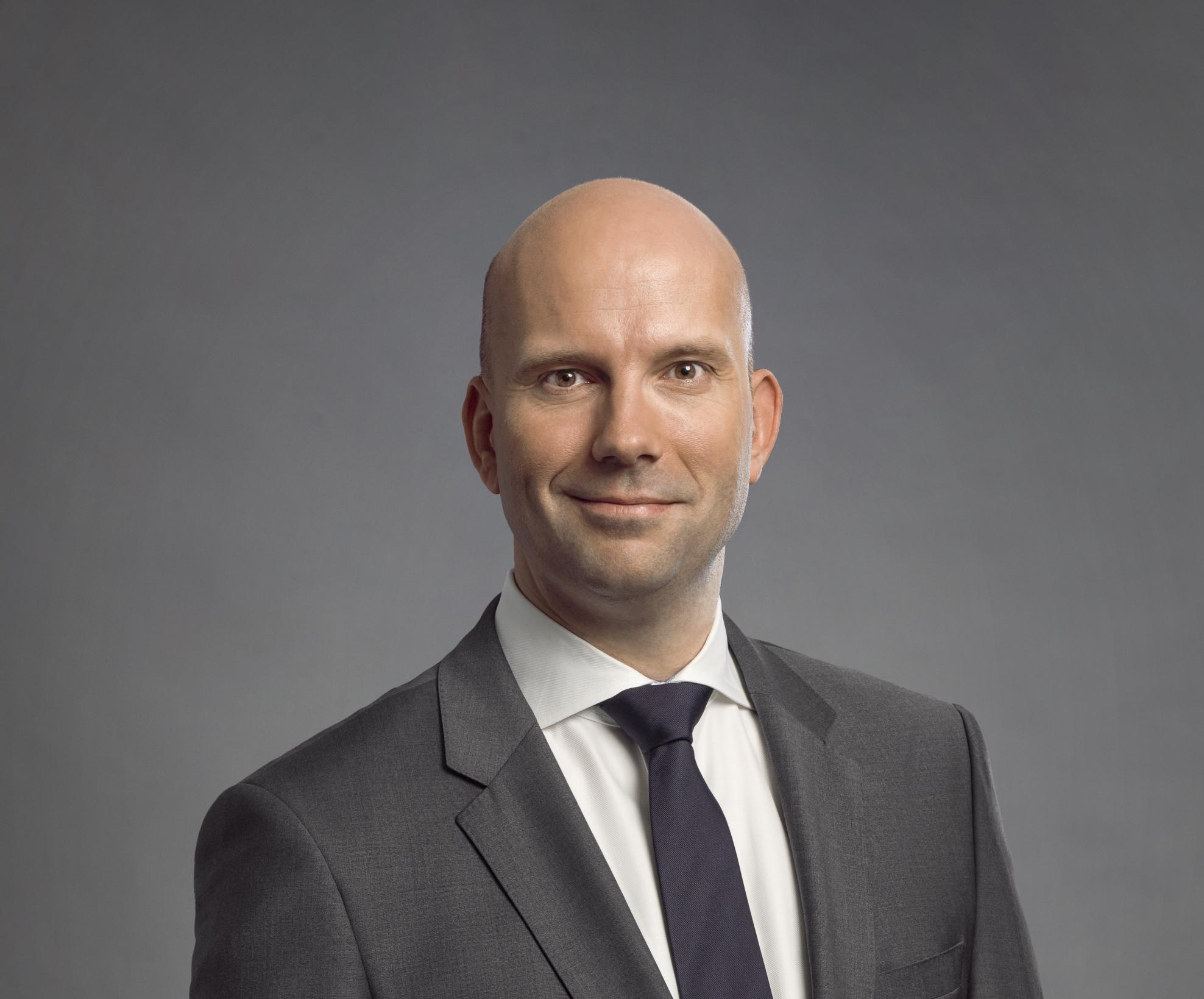 Dr. Maurice Eschweiler